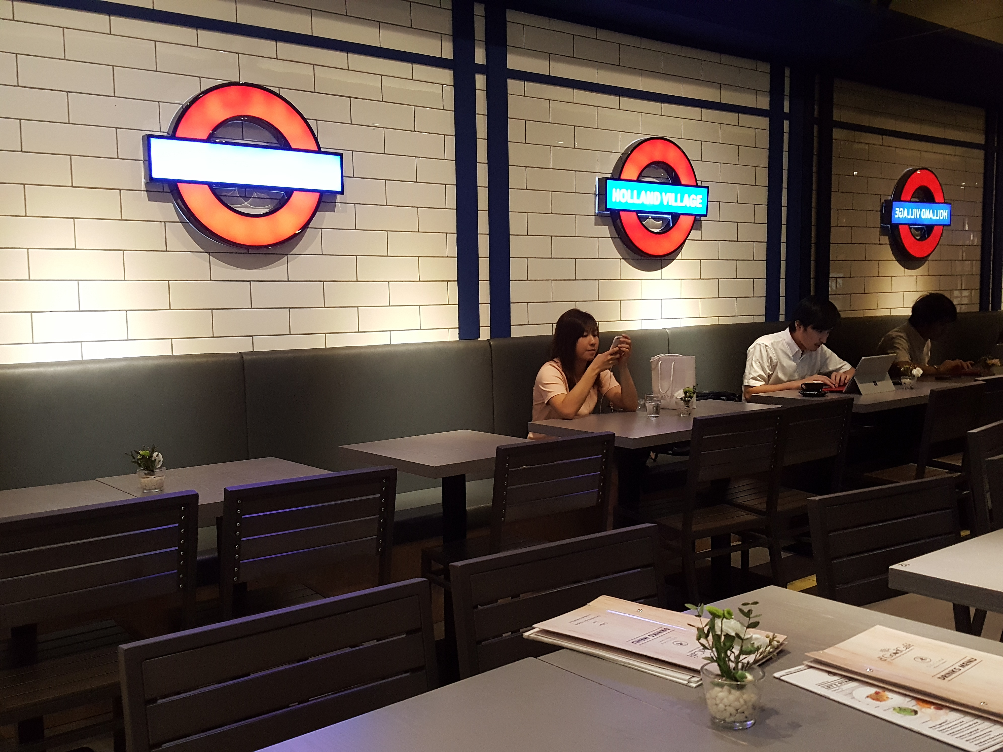 D Good Cafe Ngee Ann City London Subway Theme Orchard